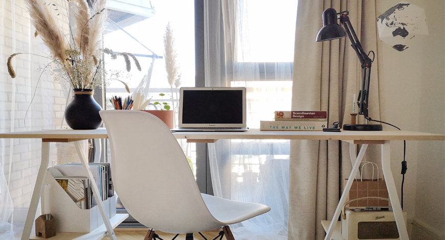 Scandinavian_Desk